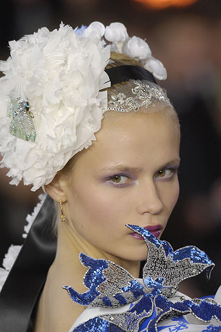 Fainting From Christian Lacroix Barbaraanne S Hair Comb Blog
